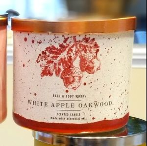 3 wick White Apple Oakwood